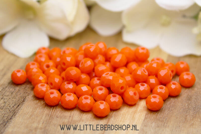 Facetkralen saffron orange 6mm - FK108