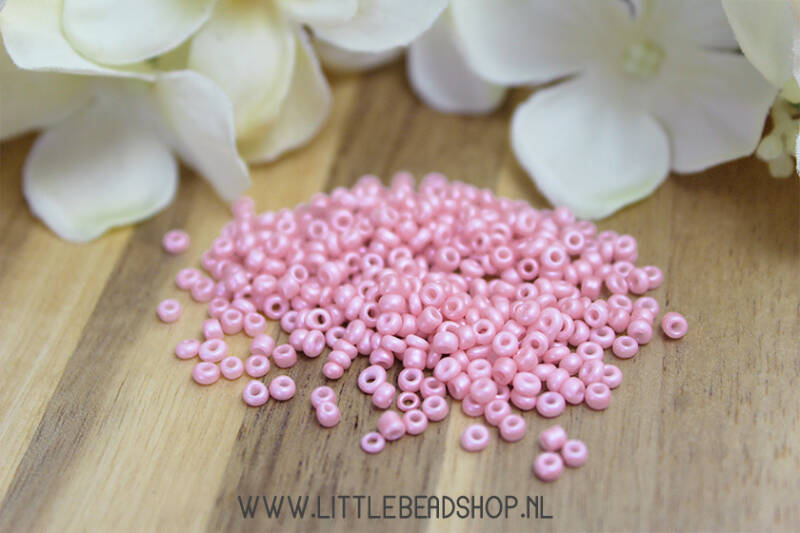 Rocailles Baby Pink Shine 2mm, 15 gram - RC038