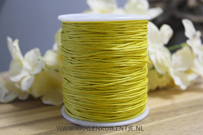 WX015 - Waxkoord bright yellow 1mm, per meter