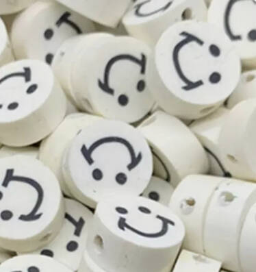 White Polymeer Smiley