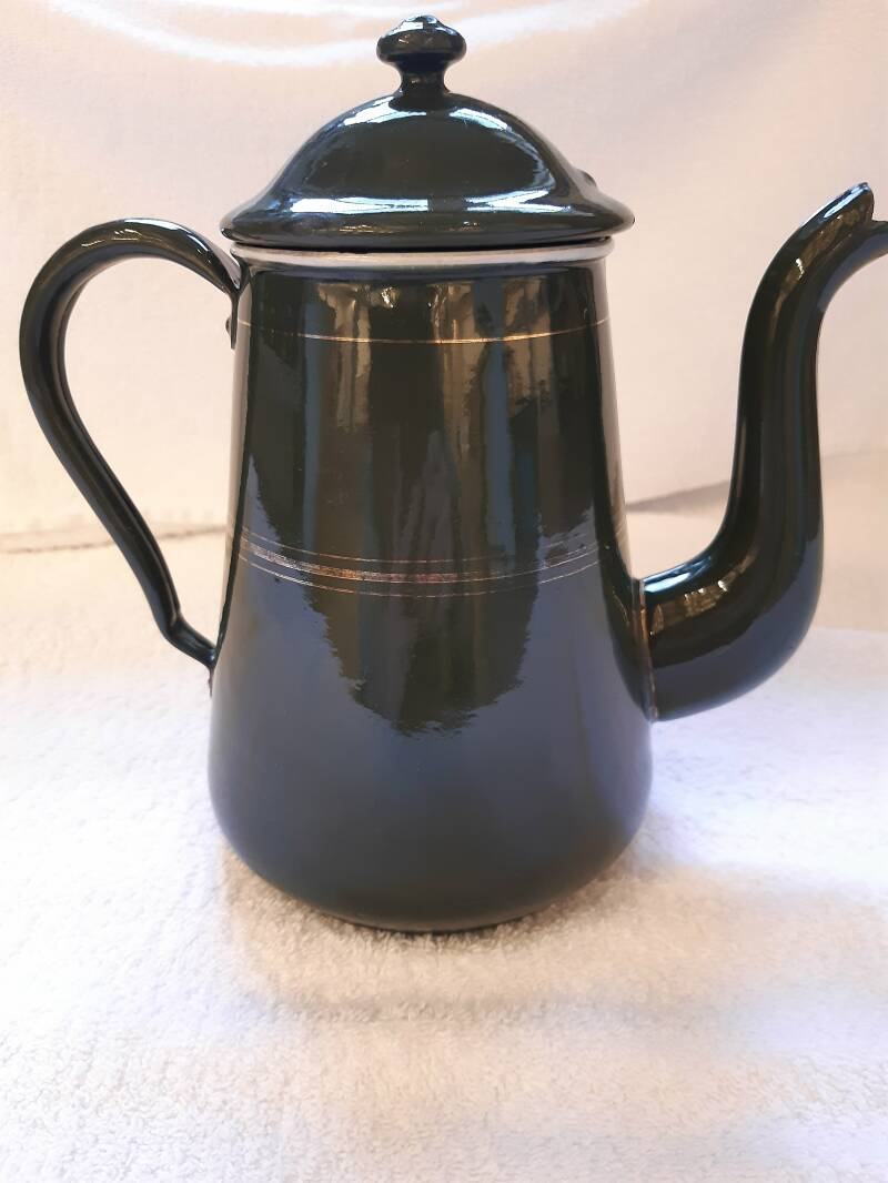 Oude emaille koffiepot donkergroen