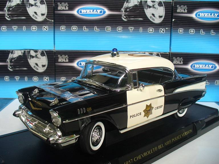 Chevrolet Bel Air Police Yatming 1/18