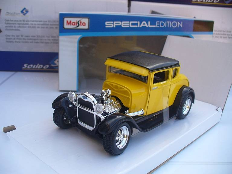 Ford Model A 1929 Geel Maisto 1/24