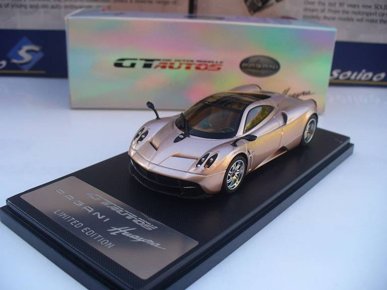 Pagani Huayra Goud Welly GTA 1/43
