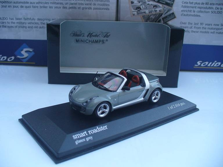 Smart Roadster Grijs Minichamps 1/43
