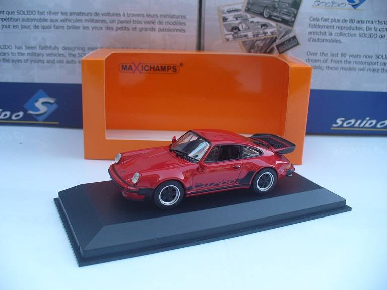 Porsche 911 964 Turbo 3.3 Rood Maxichamps 1/43