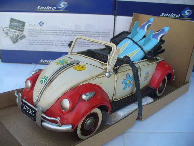 VW Volkswagen Kever Beetle Cabrio Tinplate Collectables 1/12