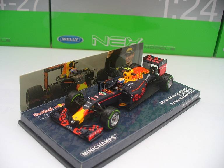 Red Bull Racing RB12 #33 M. Verstappen Brazilie Minichamps 1/43