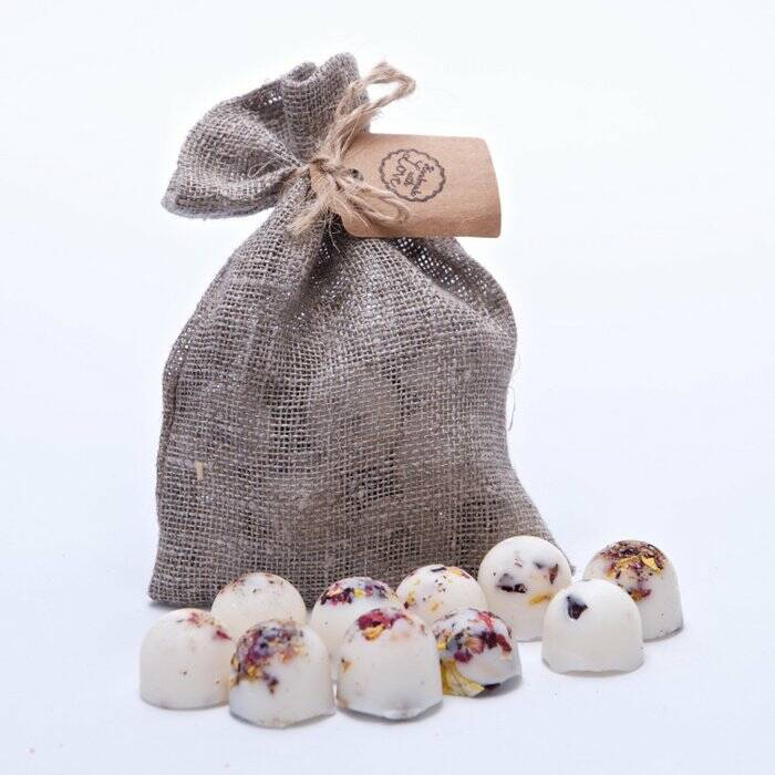 Natural Wax Melts in Linen - Champagne & Roses