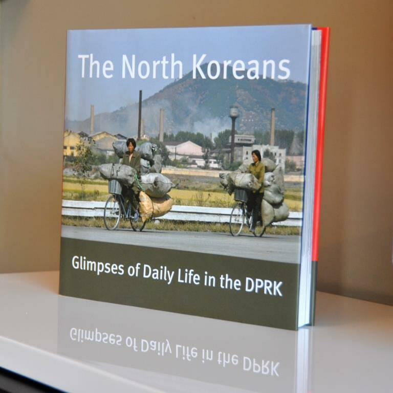 POPULAIR: Boek The North Koreans – Glimpses of Daily Life in the DPRK