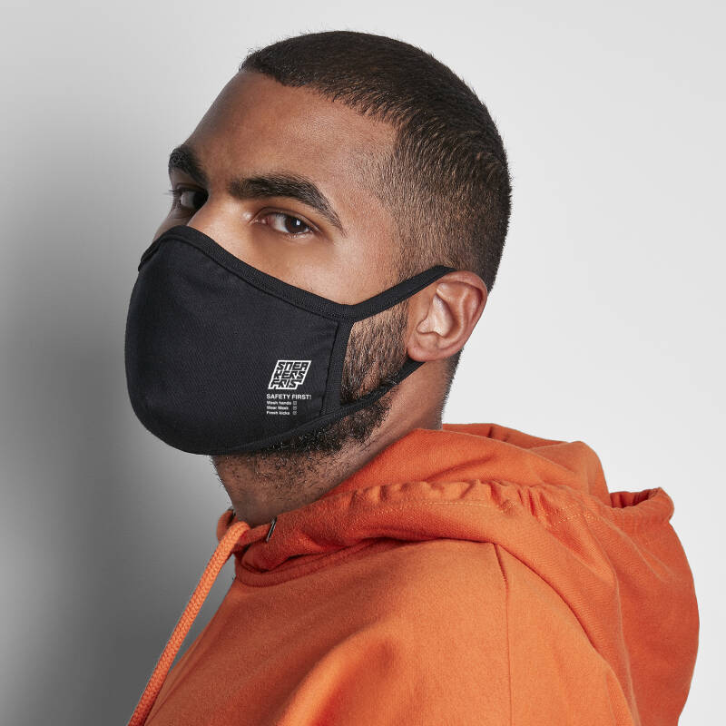 Sneakers Fris Safety First 'Facemask'
