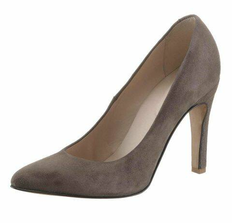SUEDE PUMPS, TAUPE BY GUIDO MARIA KRETSCHMER