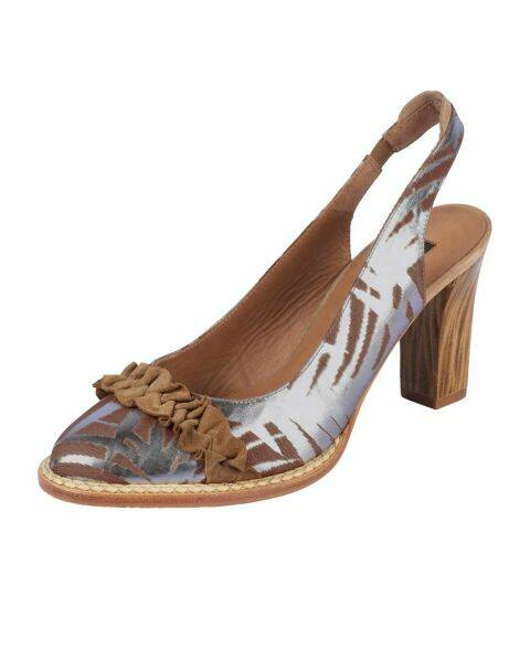 LEATHER SLINGBACK PUMPS, CAMEL-SILVER-COLORED BY ZINDA