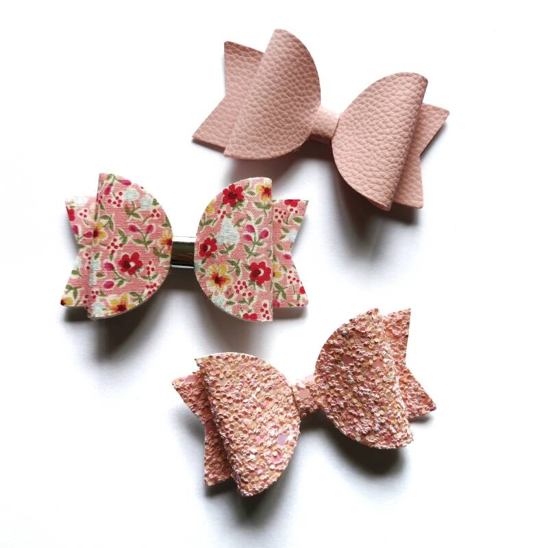 Pink flowers baby set