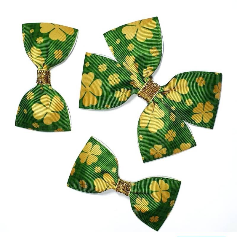 Gold clover bow