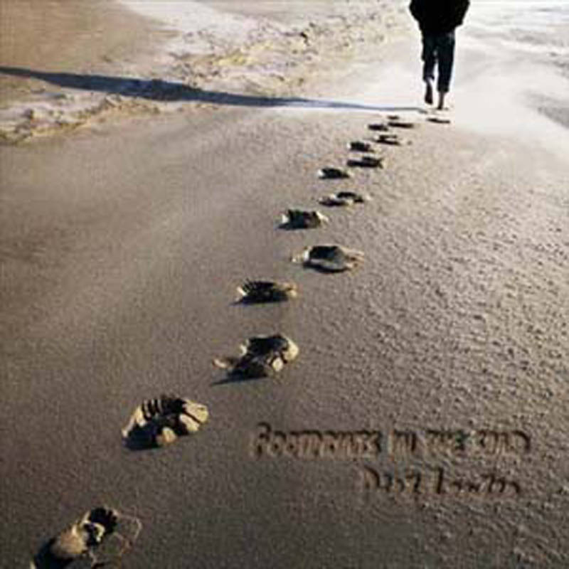 "CD ""FOOTPRINTS IN THE SAND"""