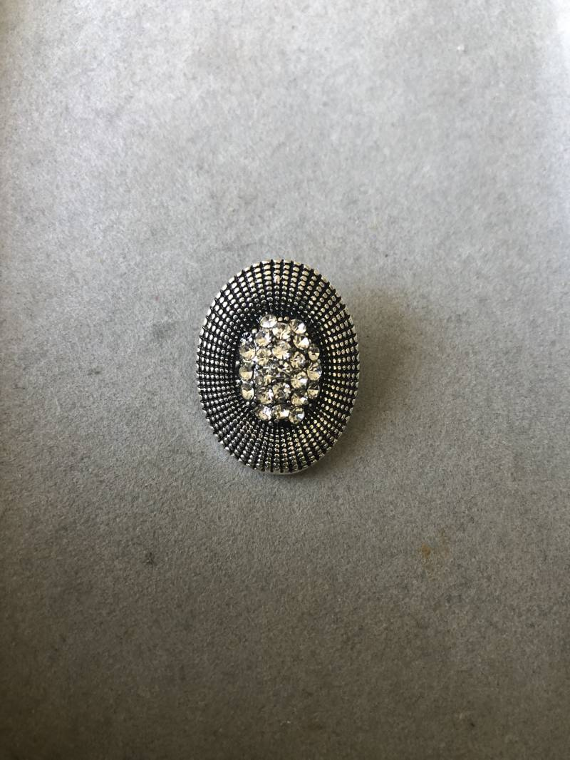 Oval Button wit zilver