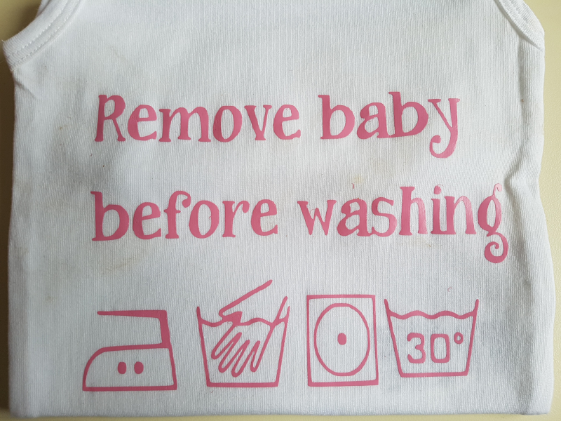 Rompertje ~Remove baby before washing~