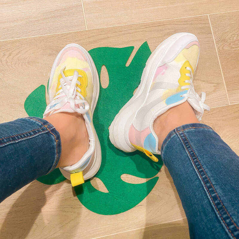 SNEAKERS : Candy is life