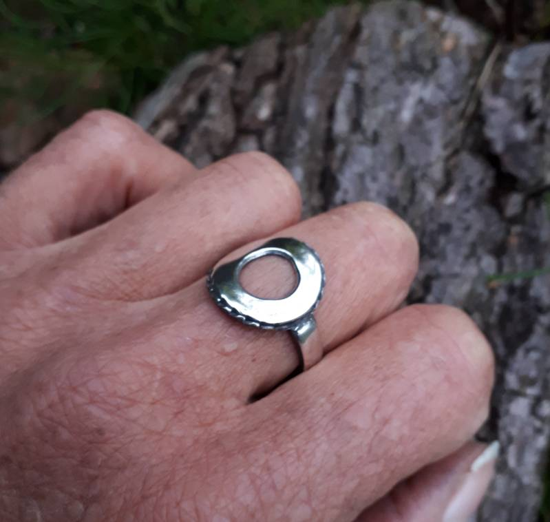 Ring Hollow