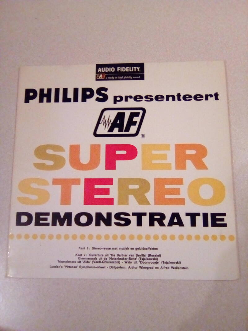 LP Philips Presenteert AF super stereo demonstratie