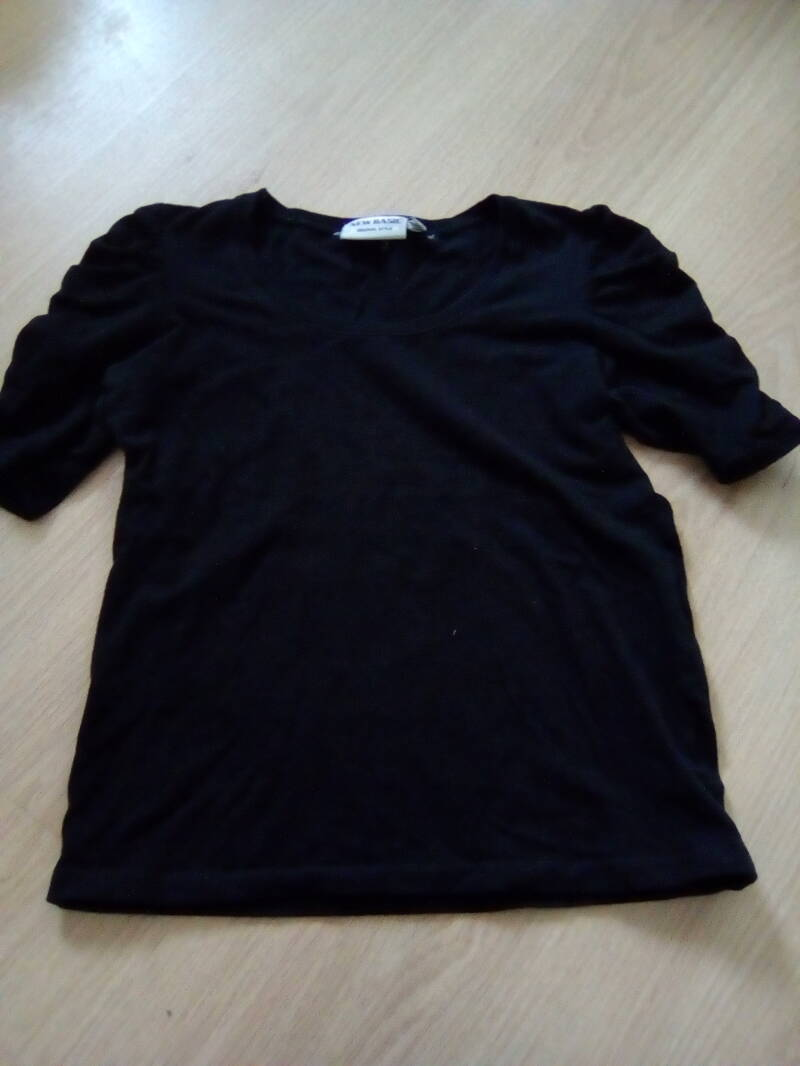 New Basic t'shirt korte mouw maat 140