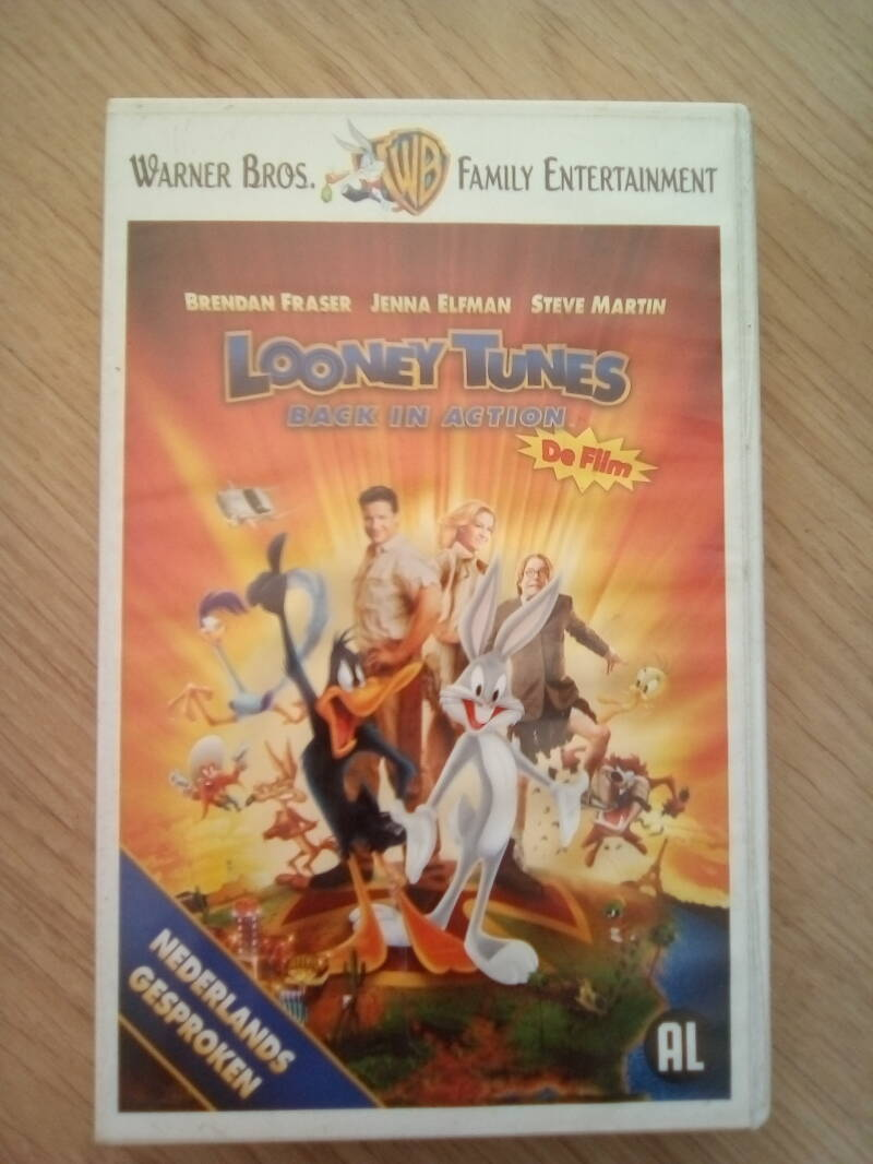 VHS videoband looney tunes back in action de film