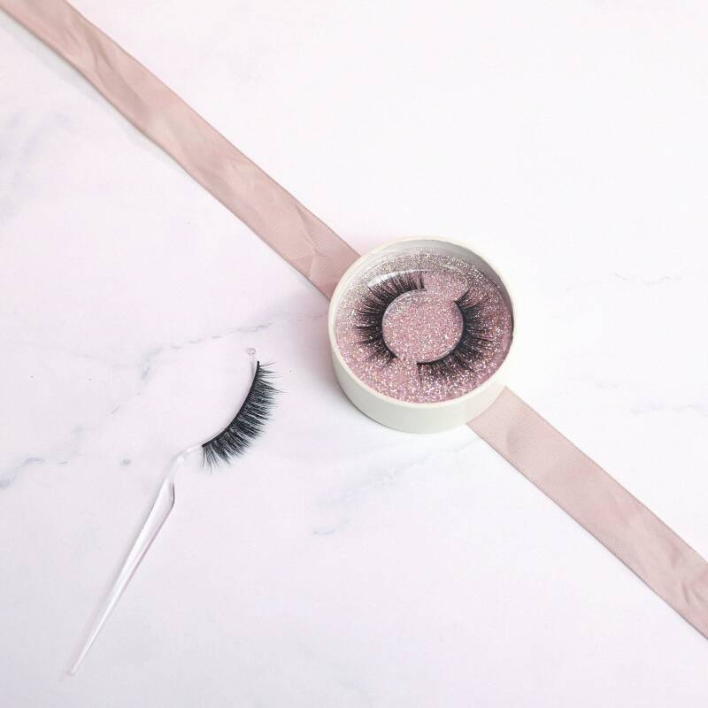 Grace Lashes - Just Glam it! (Lovely Lashes)