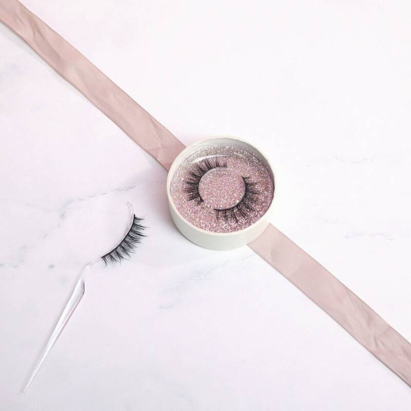 Marilyn Lashes - Minimal Chic Look to Show-stopping Drama (Lovely Lashes)