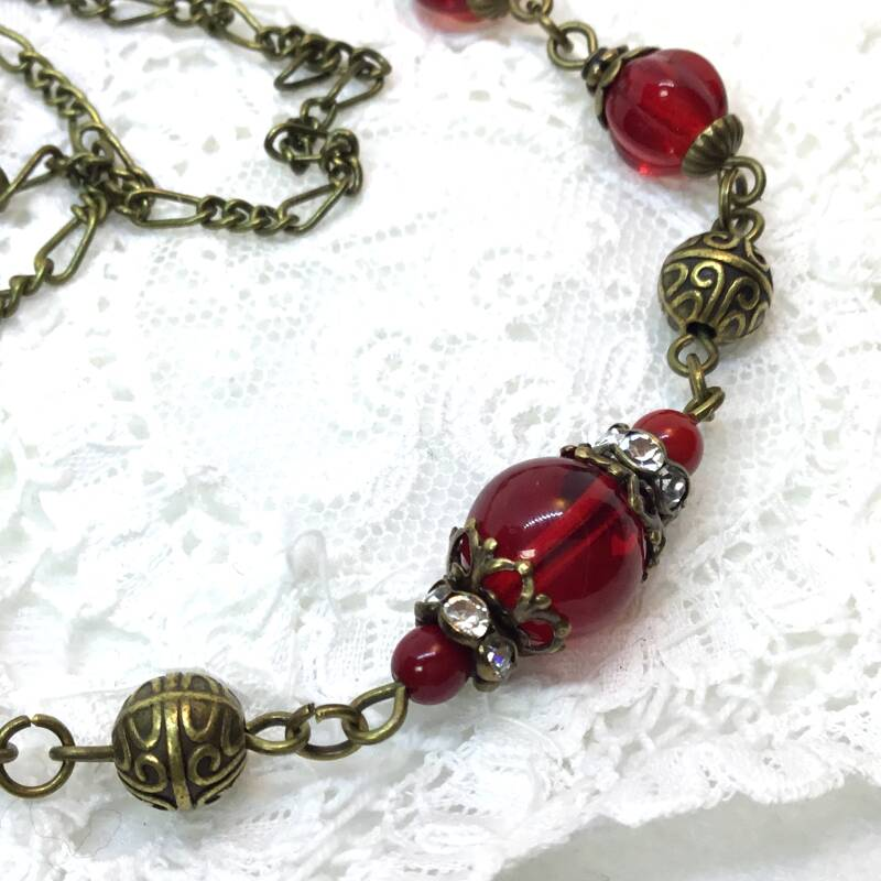 Rode vintage style ketting