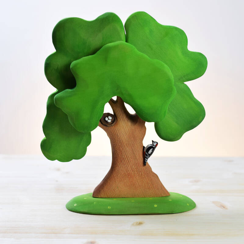 BumbuToys - Large Oak Tree  with Woodpecker and nest