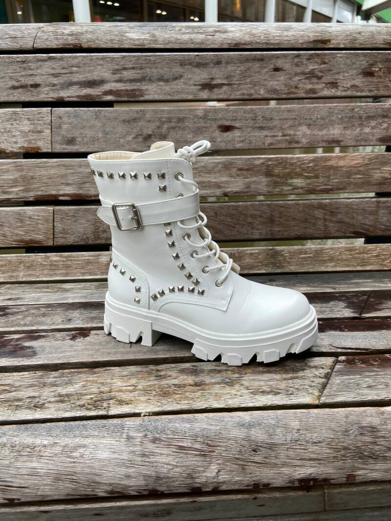Studs boots wit