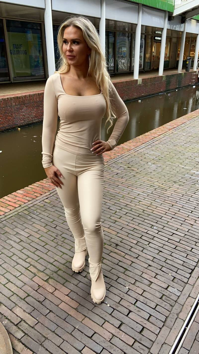 Basic top beige
