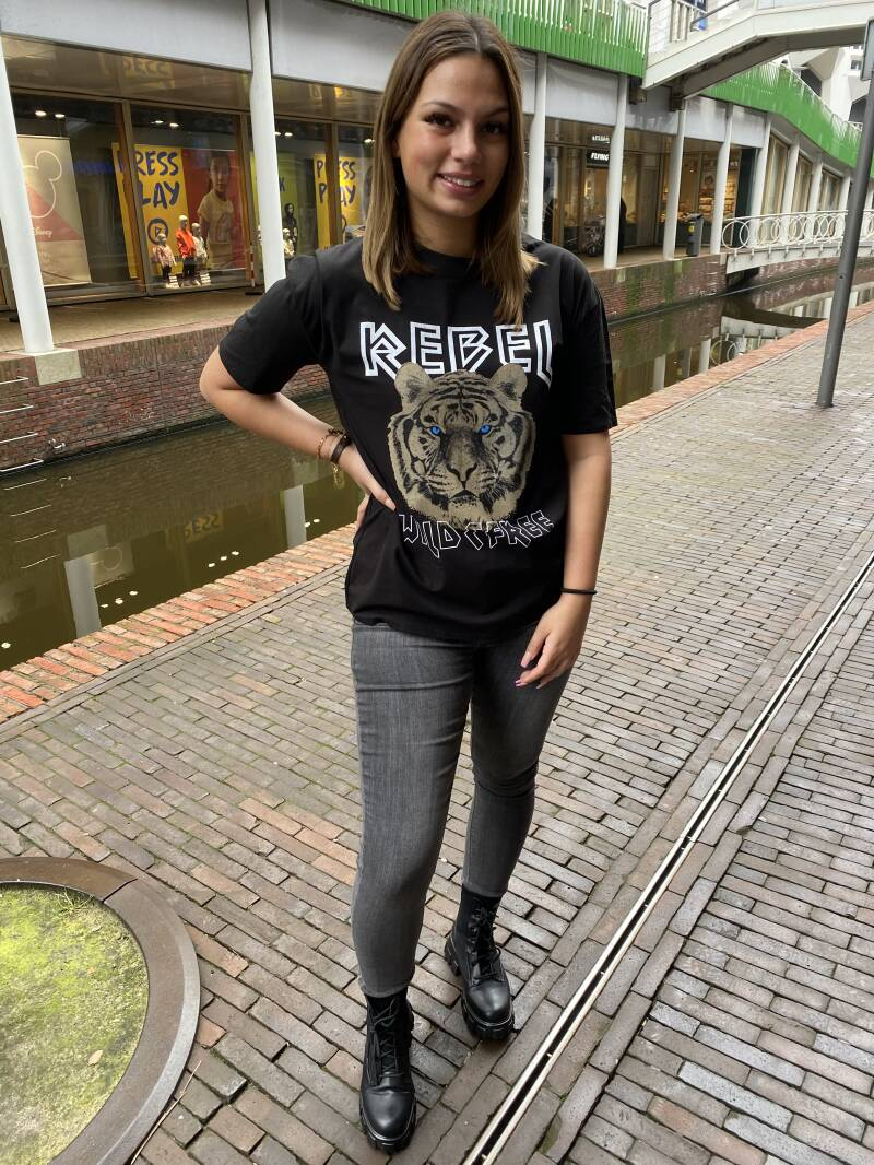 Rebel t shirt zwart