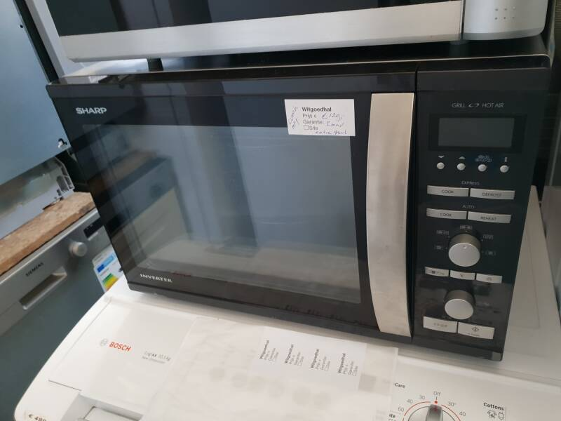 Combi magnetron Sharp extra grote