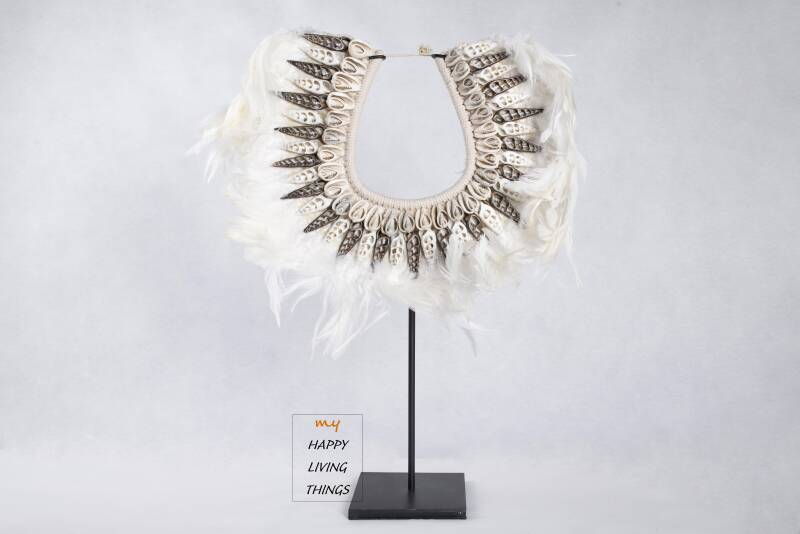 Papua necklace chicken Feathers With Shells