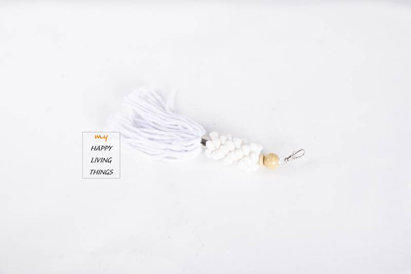 Key chain shell, white or yellow shell