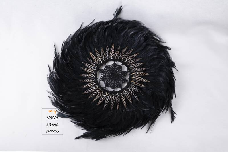 Feather - Juju Round - chicken feathers With Shells And Crochet-Black - L