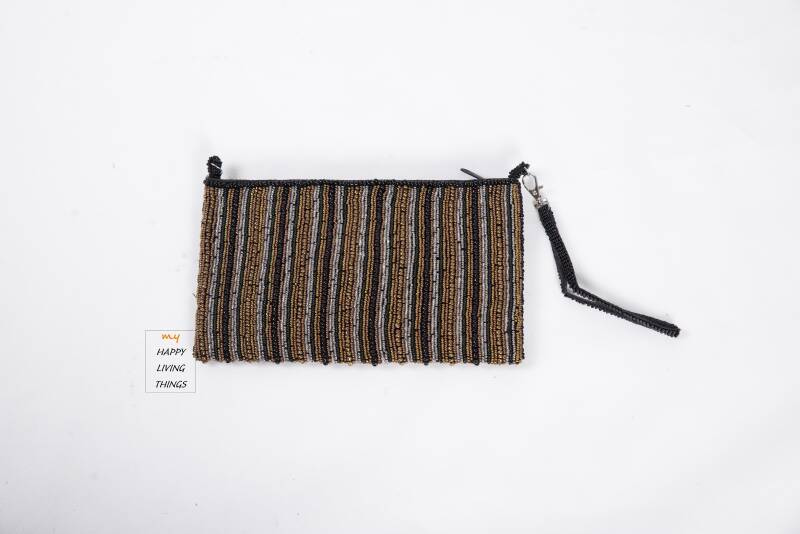 Trendy clutch with beads
