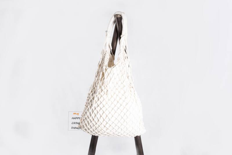 Trendy macrame bag beige