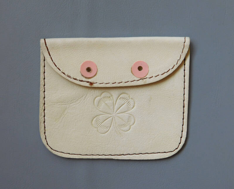 Leather wallet for ID stamps / coins / small things