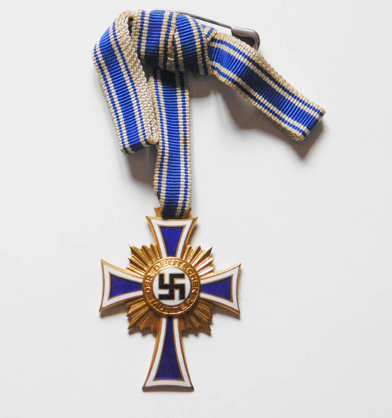 The Cross of Honour of the German Mother in gold
