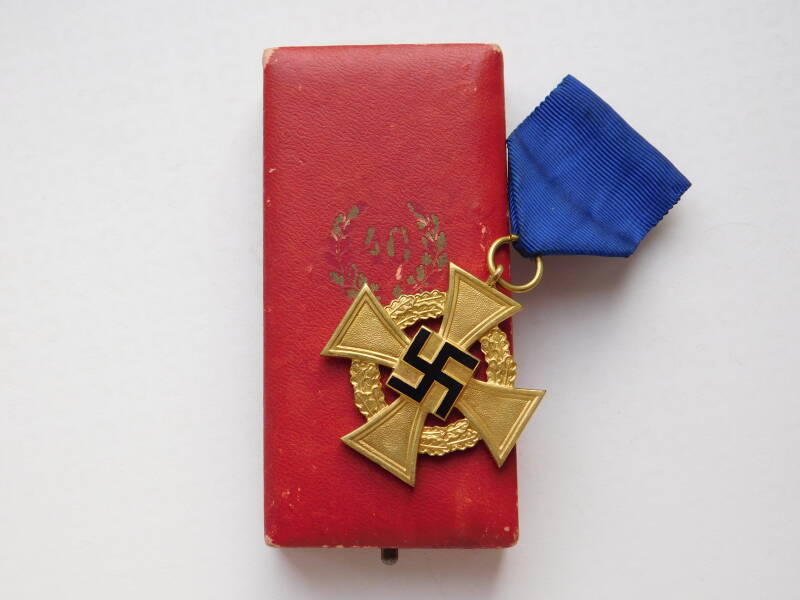40-Year Faithful Service Medal, With Case
