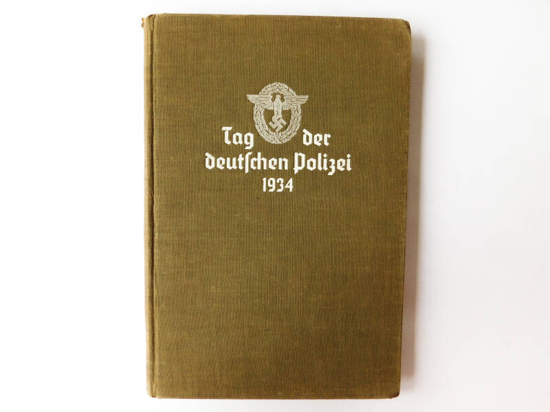 Book for the day of the German police