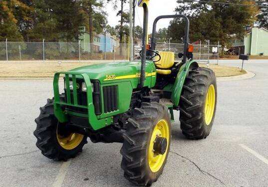 JD01 John Deere 5220, 5320, 5420 & 5520 Tractors Operation and Test Technical Manual (TM2049) SD