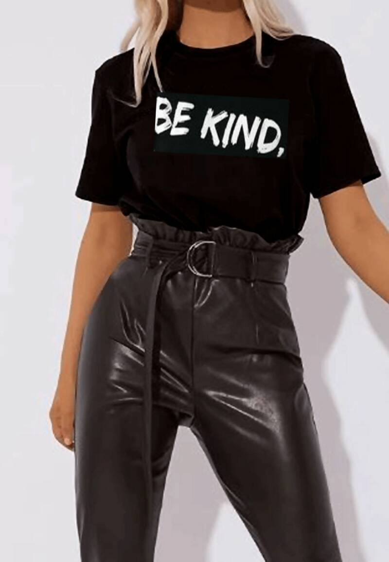 Zwarte tee top be kind.
