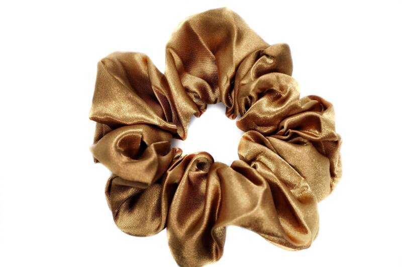 SCRUNCHIE SATIJN - BROWN