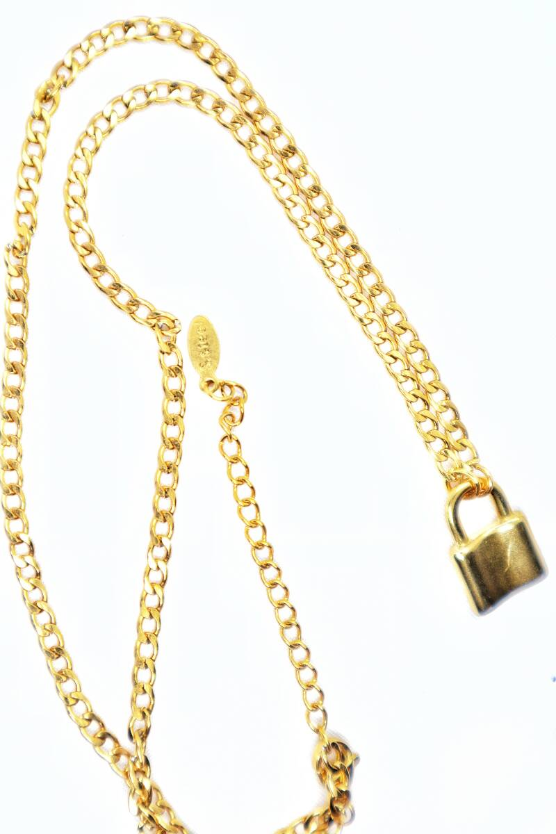 GOLD STAINLESS NECKLACE | LOCK