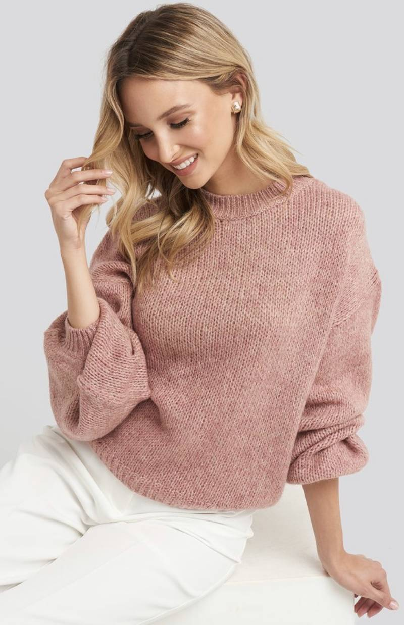 Crew neck volume sleeve knitted sweater