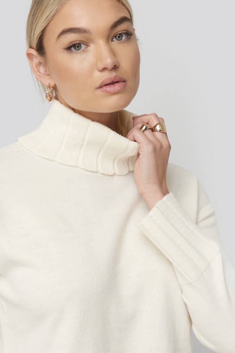 Sloughty turtle neck sweater